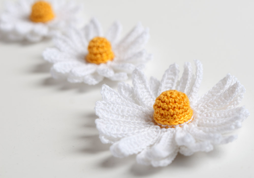 Daisy Flower Crochet Pattern Yarn Twist