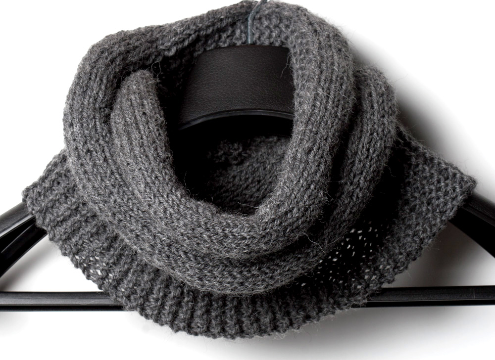 Free Knitting Pattern Twisted Cowl : Free Knitting Pattern Simplicity Infinity Scarf - Yarn Twist
