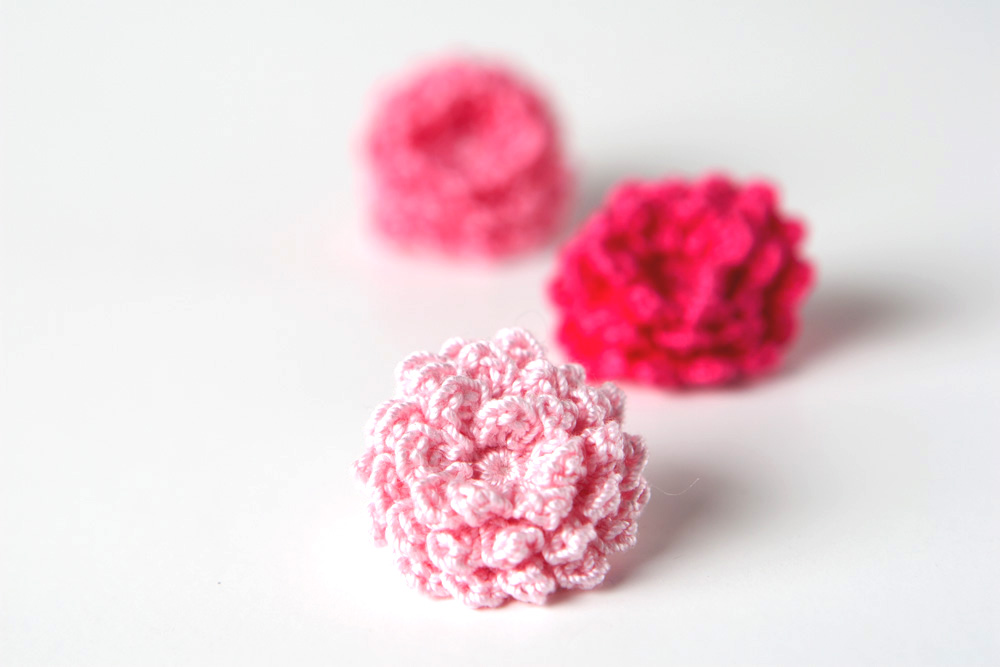 Crochet Pattern Mini Roses Yarn Twist